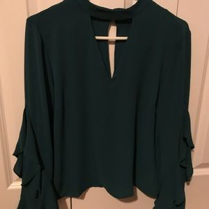Beautiful green choker cutout crepe top size M